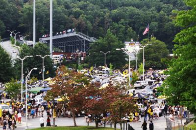 Tailgaters at The Rock