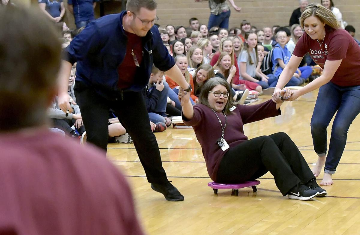 Battle of the Books: Spring Creek teachers, students face off in reading competition