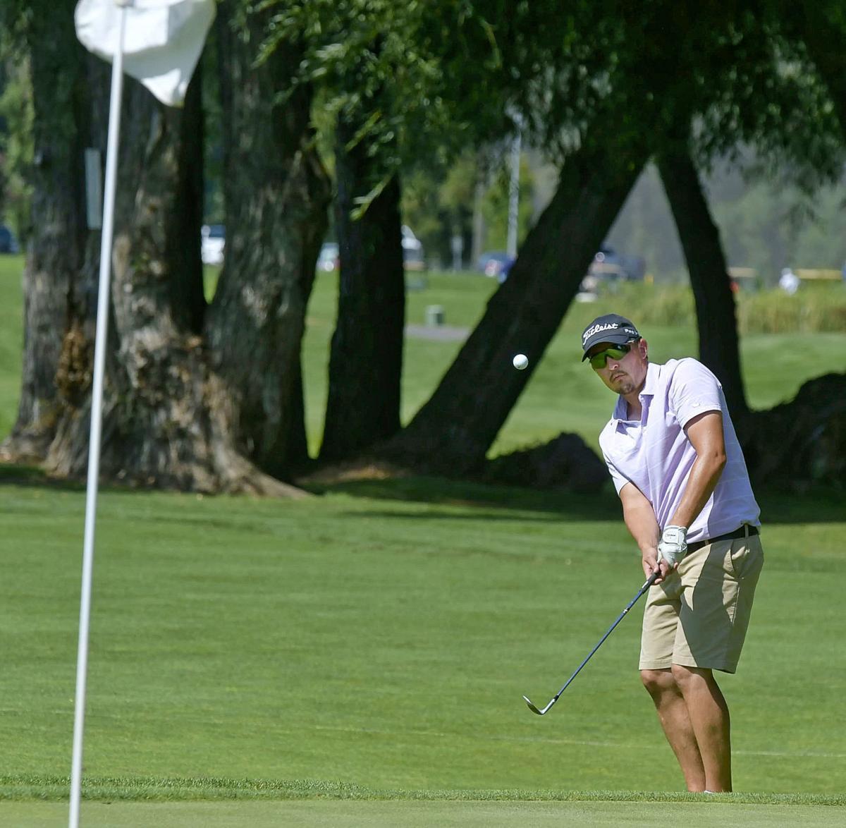 Logan River Golf SUMMERS 01