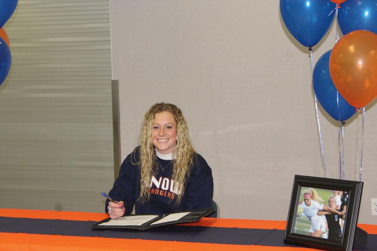 Larsen signs with Snow College