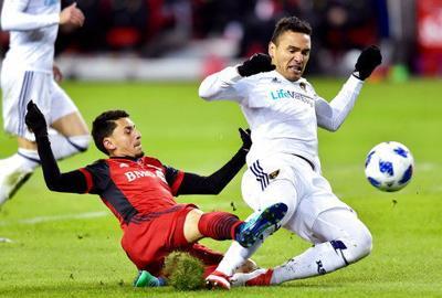 Altidore scores twice, Toronto FC gets 1st MLS win of season