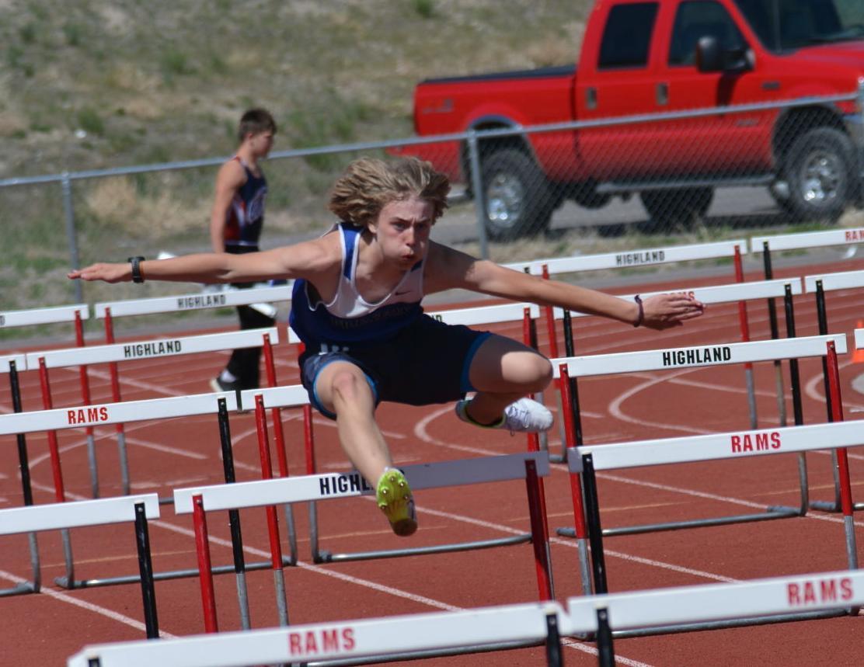 cool hurdle photo.JPG