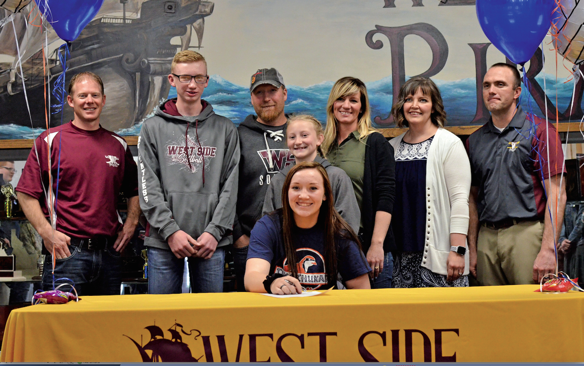 Wade signs with Treasure Valley