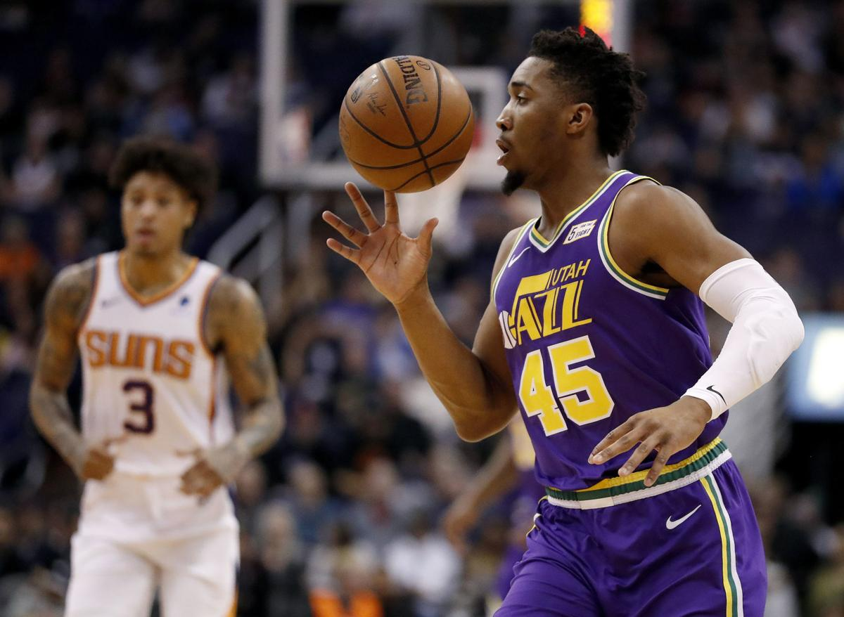 Jazz pull away from Suns