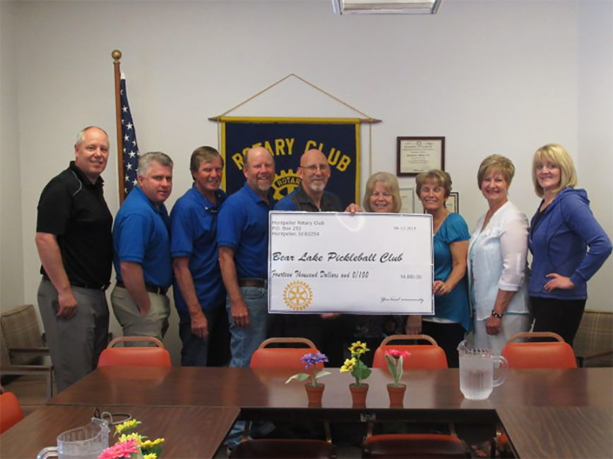 Bear Lake Pickleball club receives donation