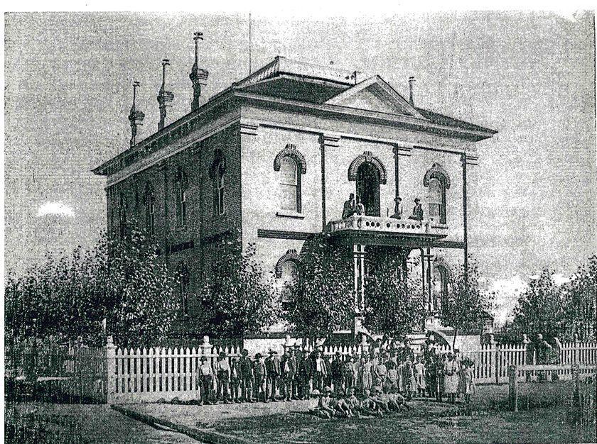 Original Paris Courthouse