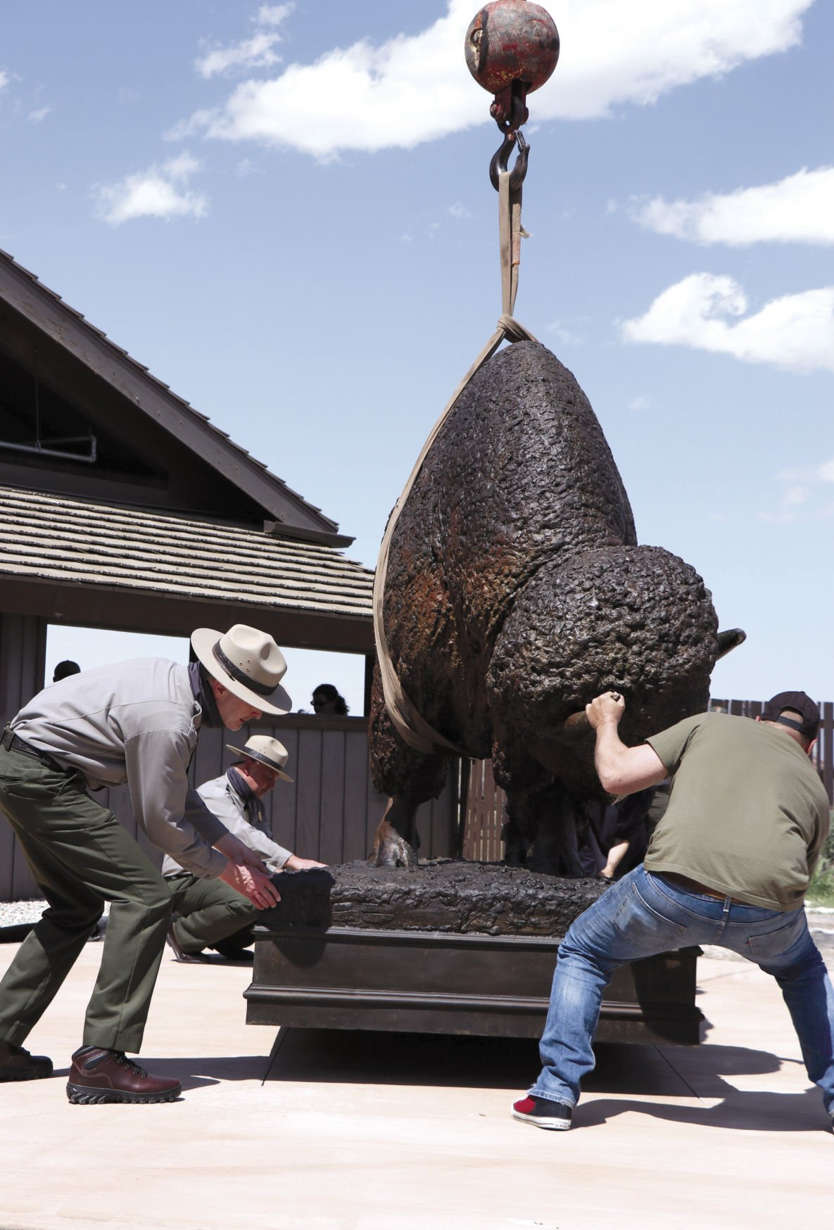 bison sculpture 1