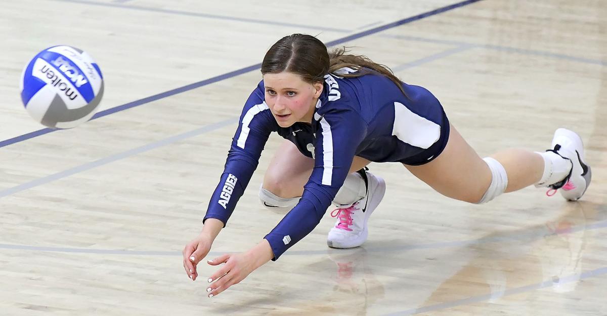 SDSU Utah State Volleyball SECONDARY