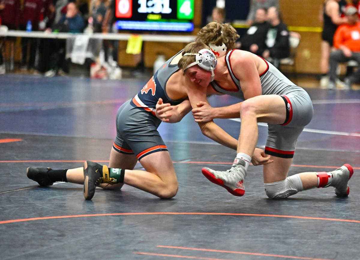 Wrestlers riding momentum into state tourney