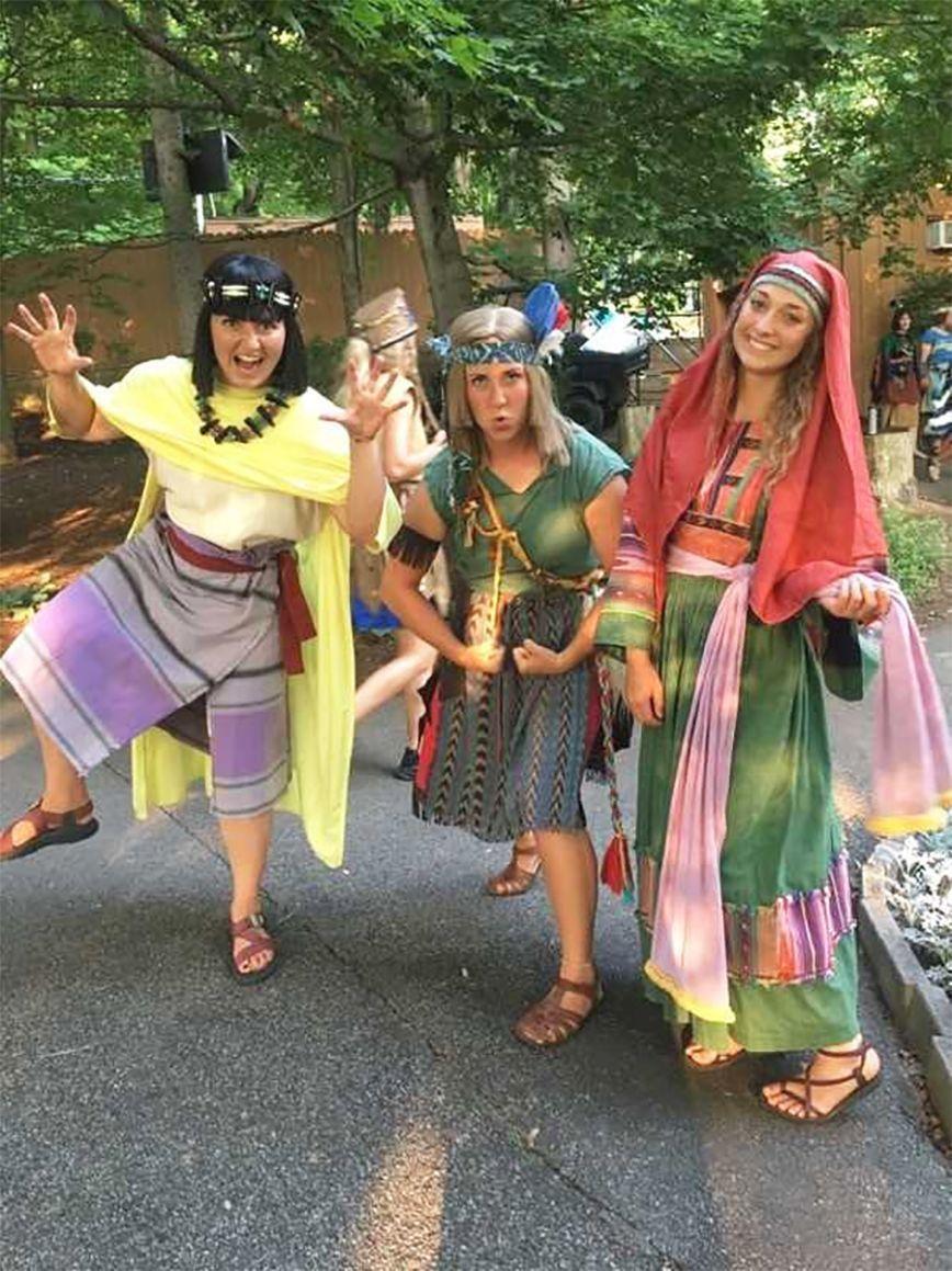 Tessa Teichert and Janetta Teichert participate in Hill Cumorah Pageant