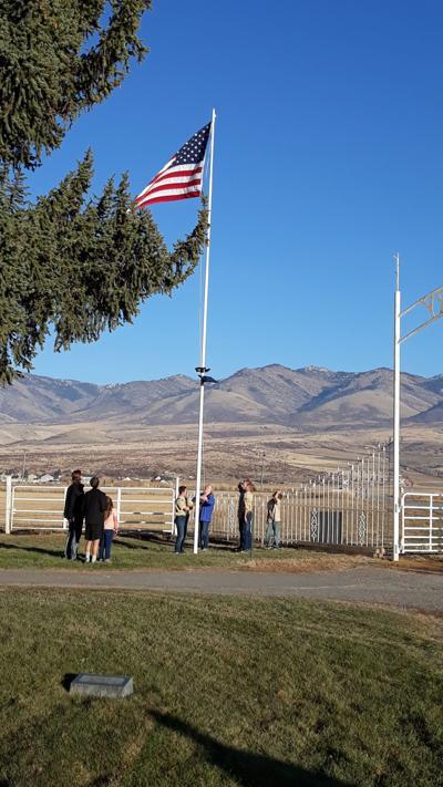 Denton raises new flag for Franklin Cemetery