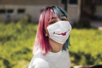 mask lipstick