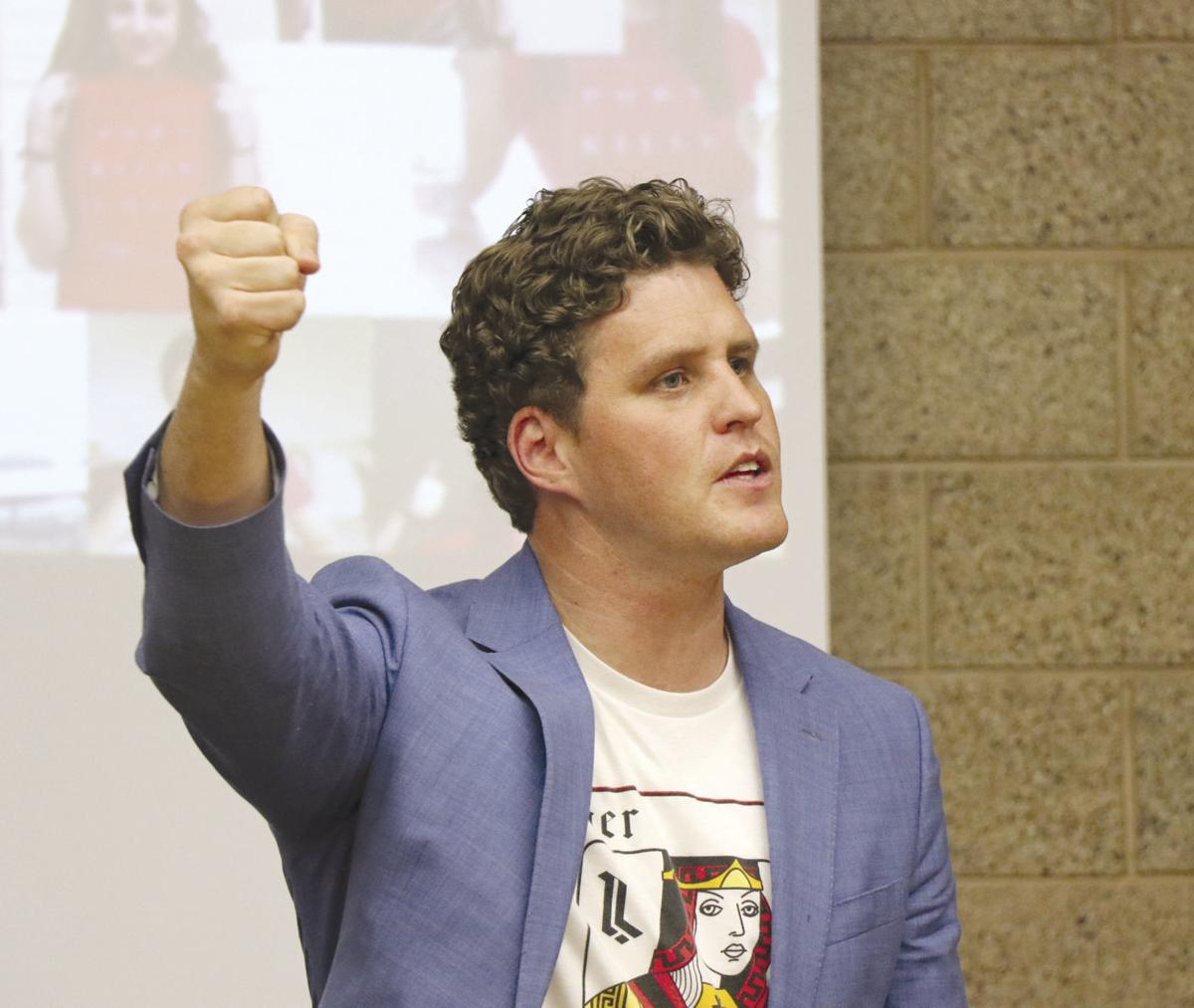 'Fight for real love': Anti-pornography crusader brings message to local youth, parents