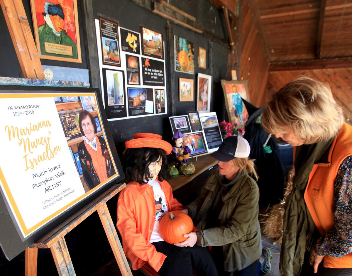 Pumpkin Walk honors valley artist who was huge part of event for years