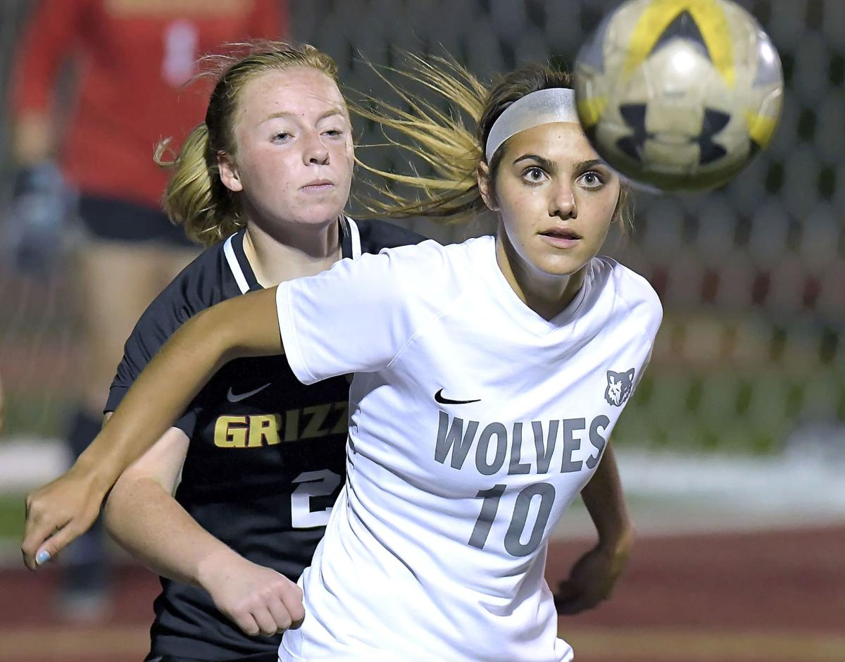 Thompson's golden goal lifts Wolves to W