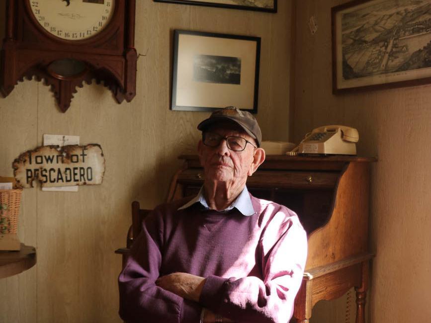 Pescadero flag caretaker retires from post