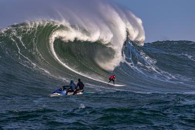image-mavs big wave