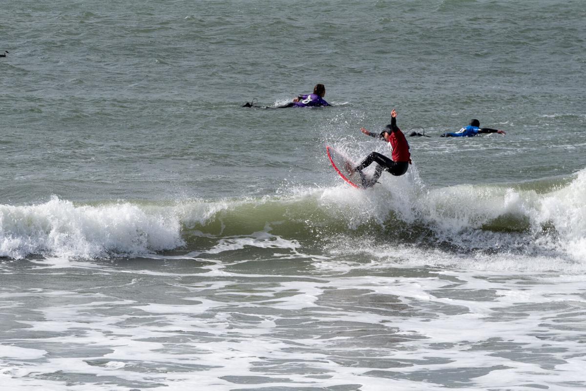 Cutback Surfer