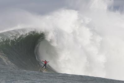 Peter Mel surfs Mavericks