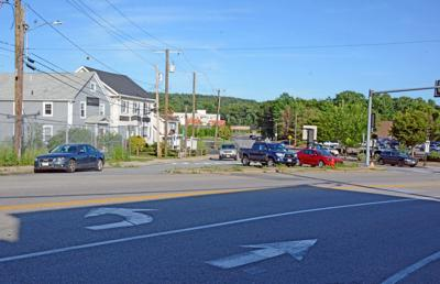 Main Street, Skillings Road