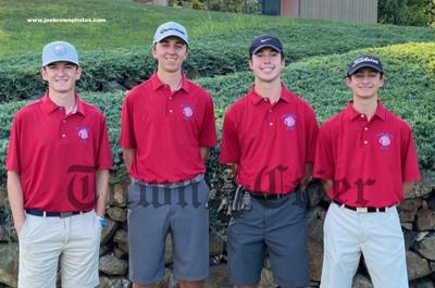 The senior members of the TMHS Golf team