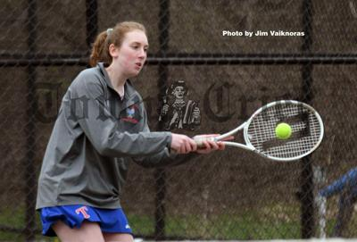 First Doubles player Lizzy Taggart