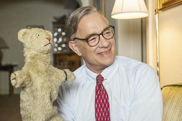 Hanks Anchors A Lovely Mister Rogers Tale For Adults Movie Review Homenewshere Com
