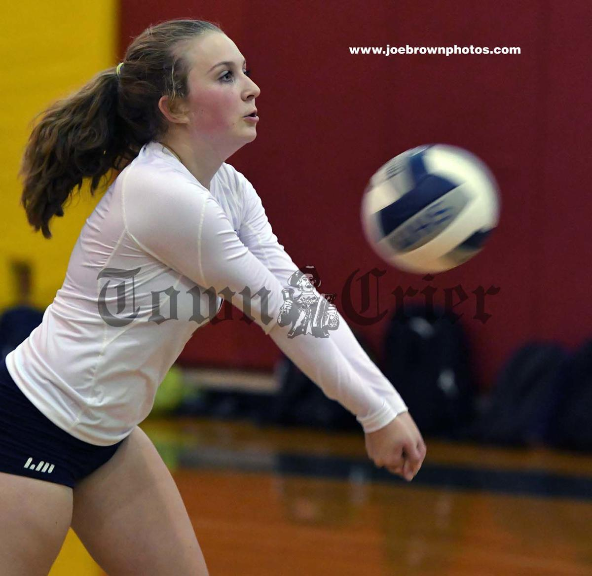 Anna Rideout sets up a volley
