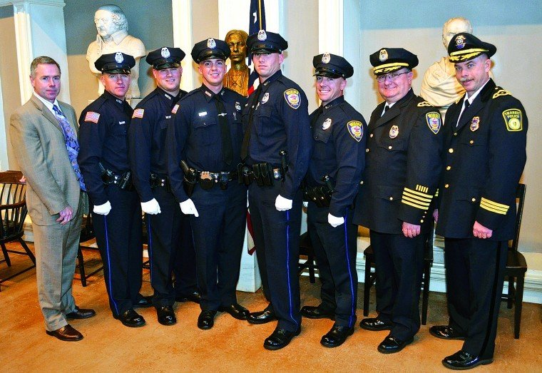 Woburn has five new police officers | | homenewshere com