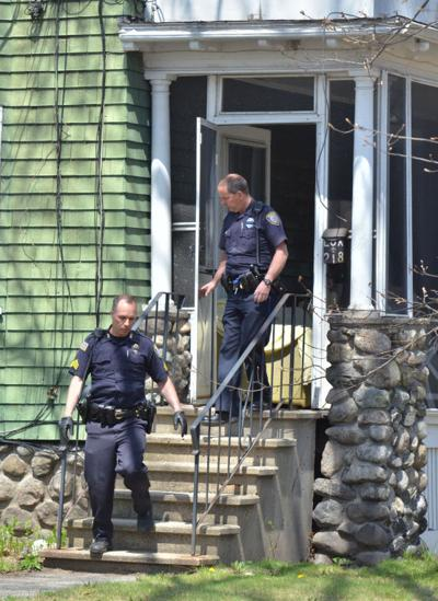 Woburn officer injured making arrest | Woburn | homenewshere com
