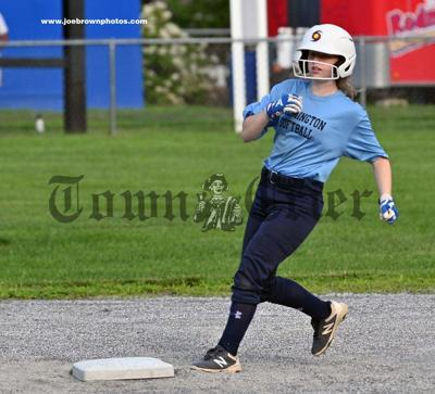 Wilmington's Ashley Crawford reaches second base