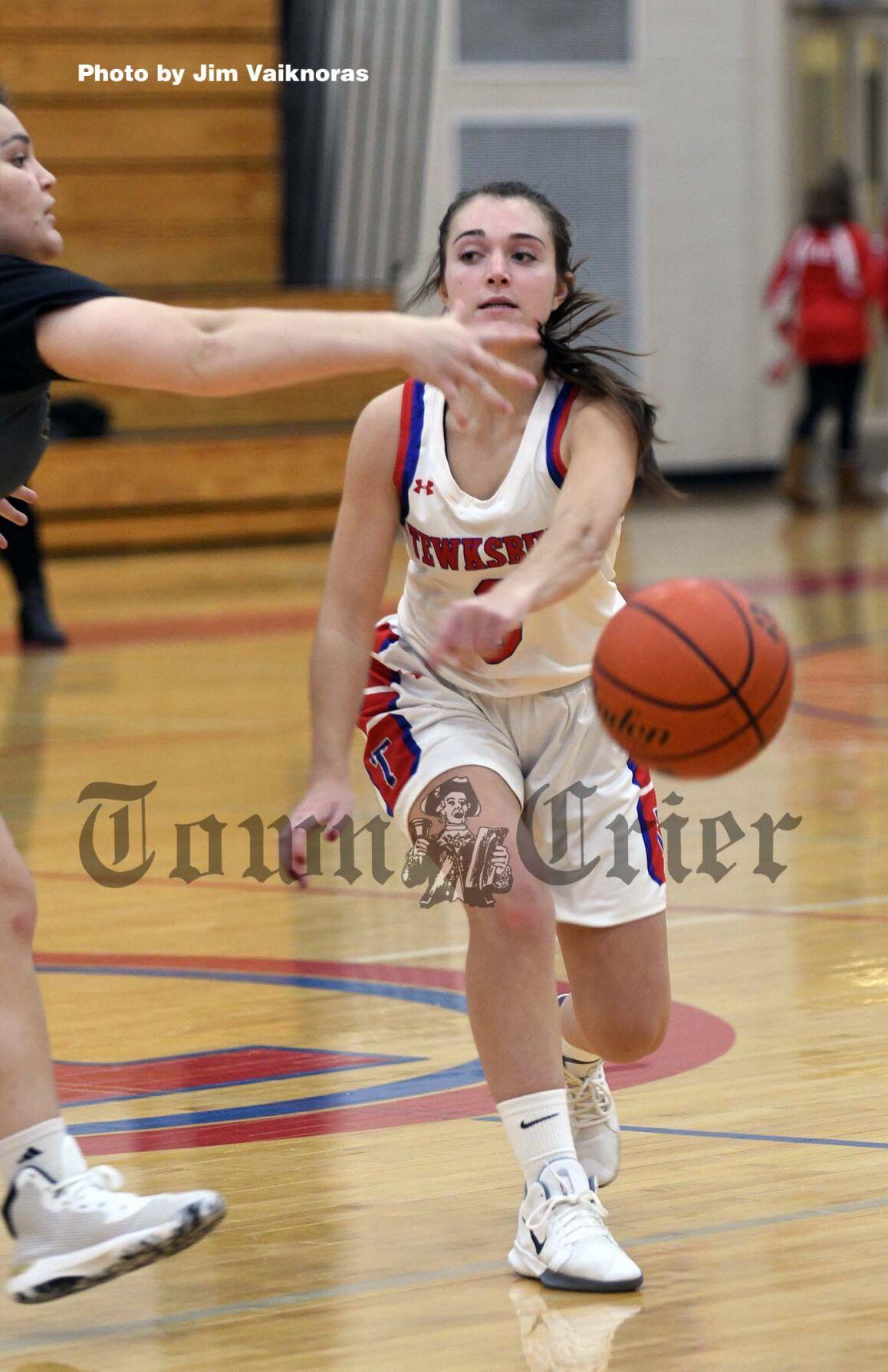 Lexi Polimeno and her teammates hope for a basketball season