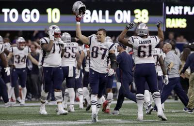 Patriots Gronkowski Retires Football