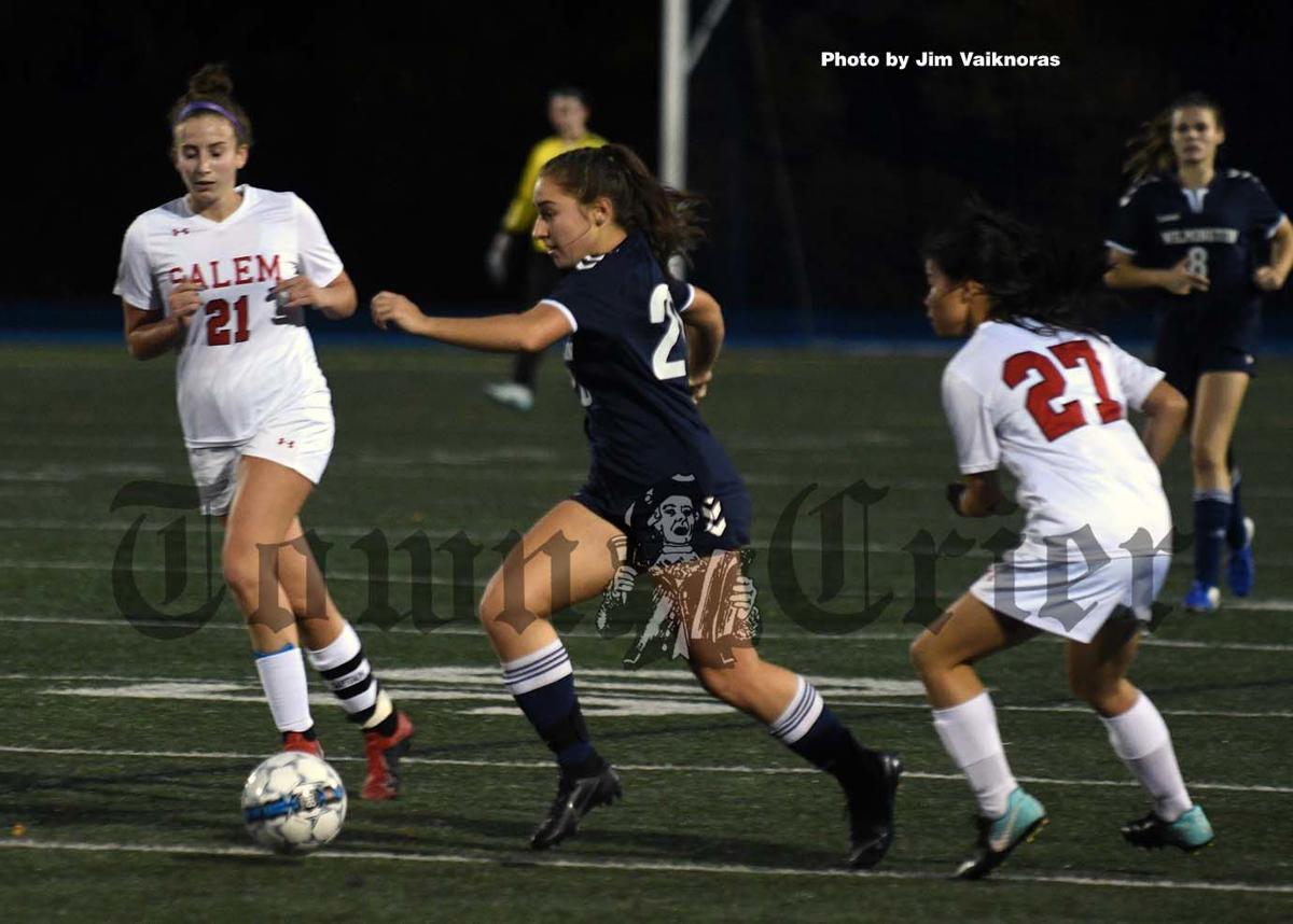 Aly Colantuoni starts her run down the field