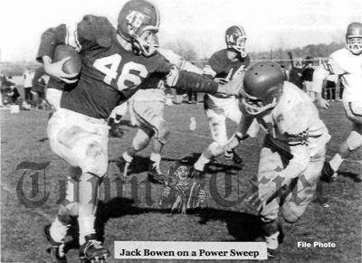 Jack Bowen on a power sweep