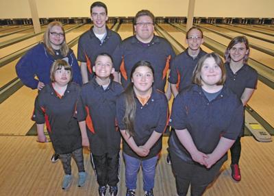 Sports P Bowling Team State 0098.jpg