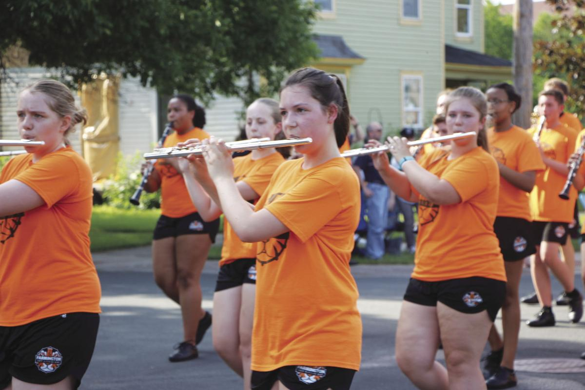 Historic parade for Dew Days 1