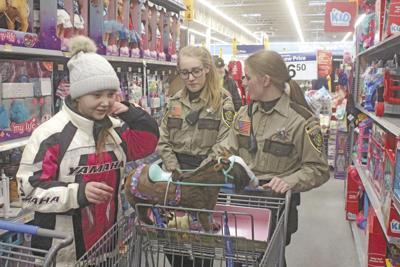 Princeton Walmart Cop Shop Xmas 8044.jpg