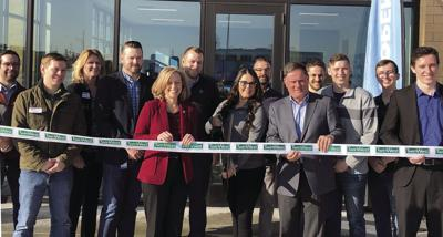 AT&T expands retail presence in Maple Grove