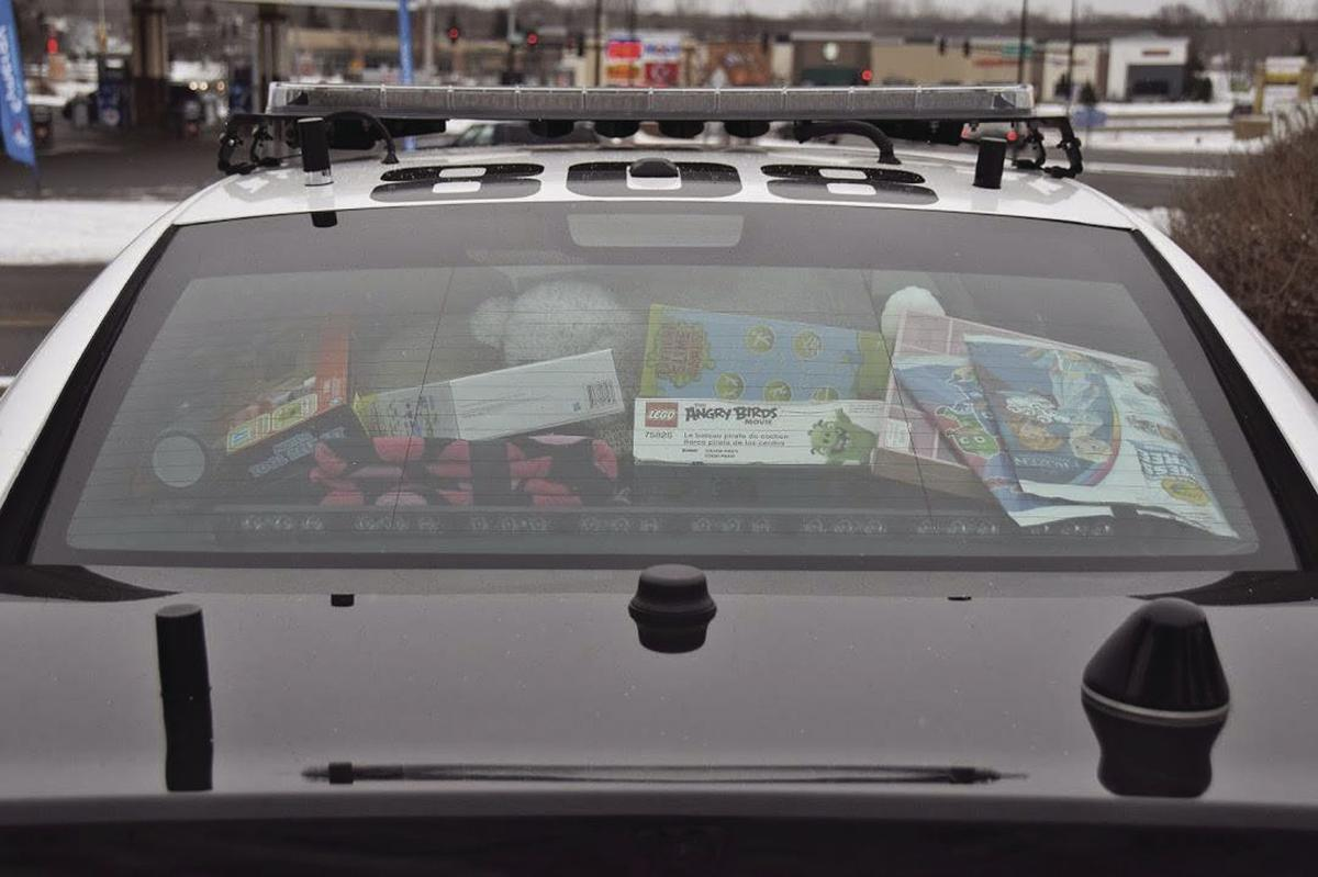 Champlin Police Drop Off Toys For Tots
