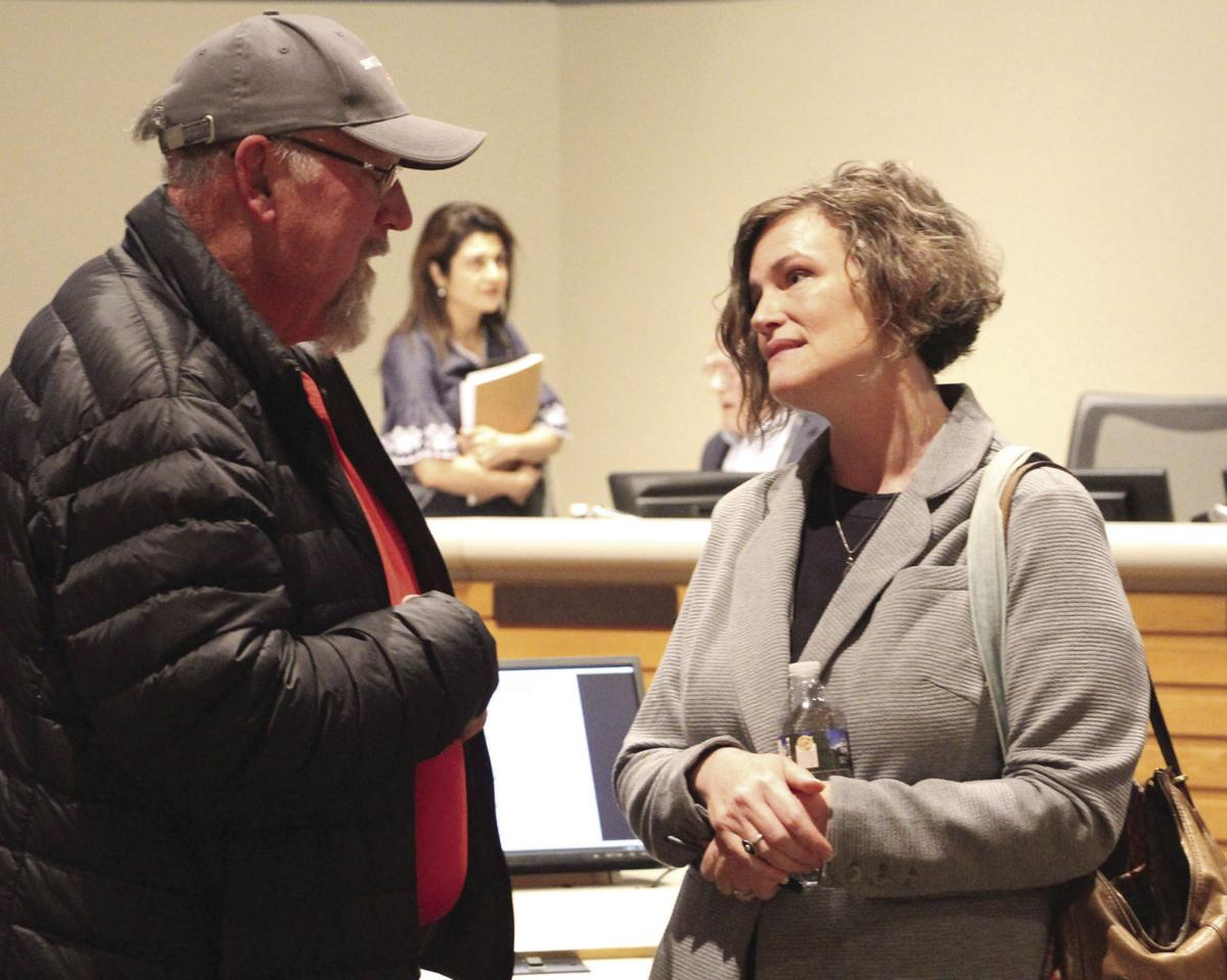 Shannon Andreson meets with an audience member