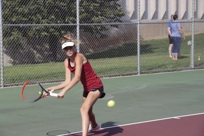 Depth leads Osseo girls' tennis team to 2 victories