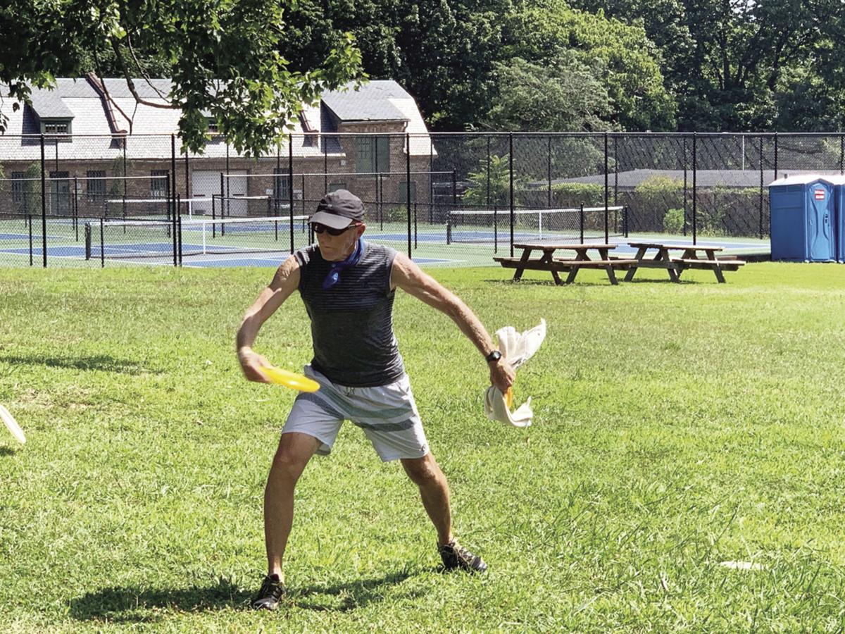 frsibee paul throwing.jpg