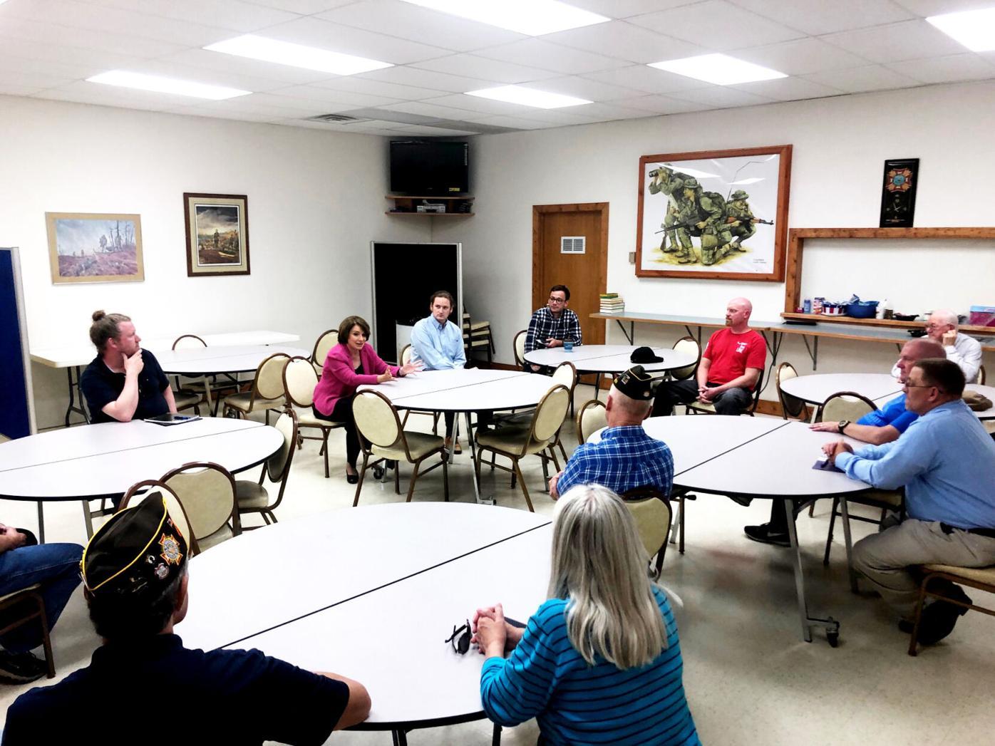 Area veterans talk with Klobuchar