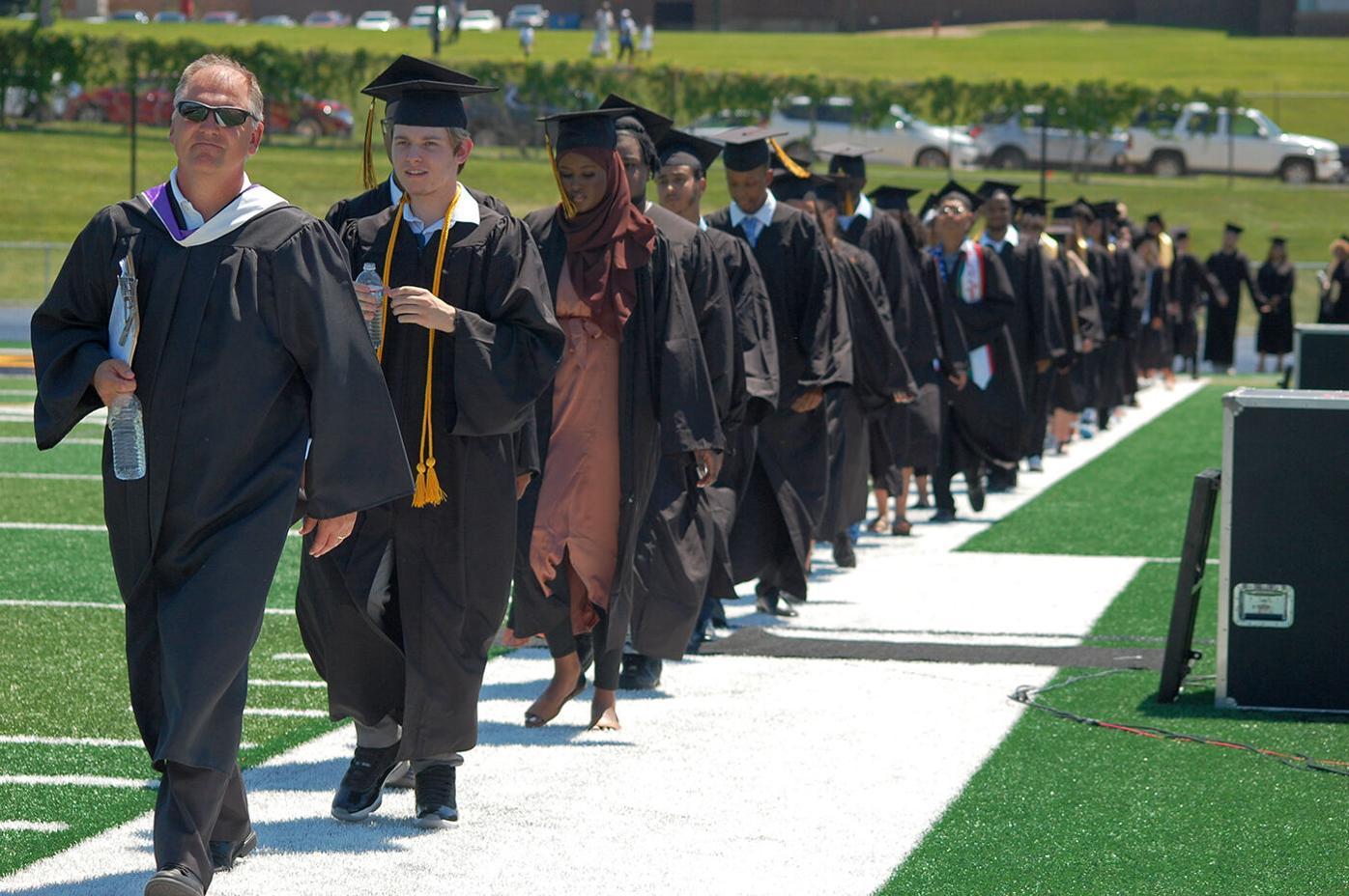av apple valley high school graduation 1 2021 web.jpg