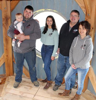 Stoney Ridge owners build lighthouse for Airbnb