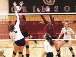 Crimson volleyballers improve to 14-1