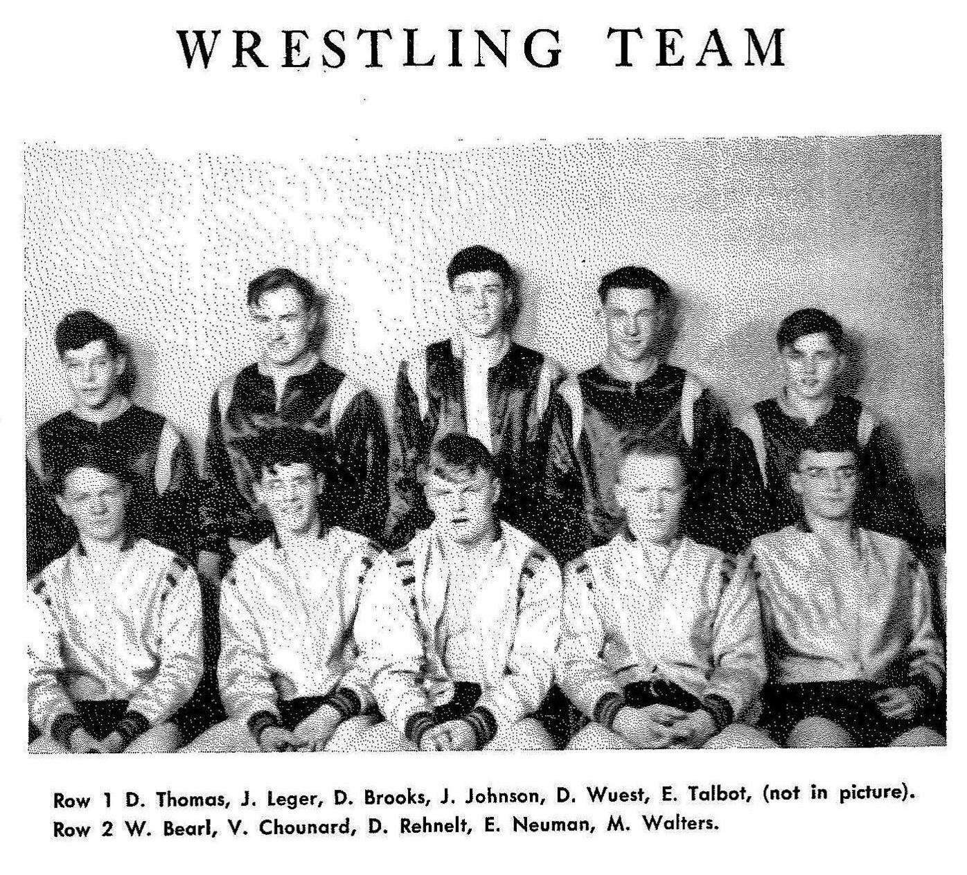 SP YIR 1945 Anoka Wrestling Team.jpg