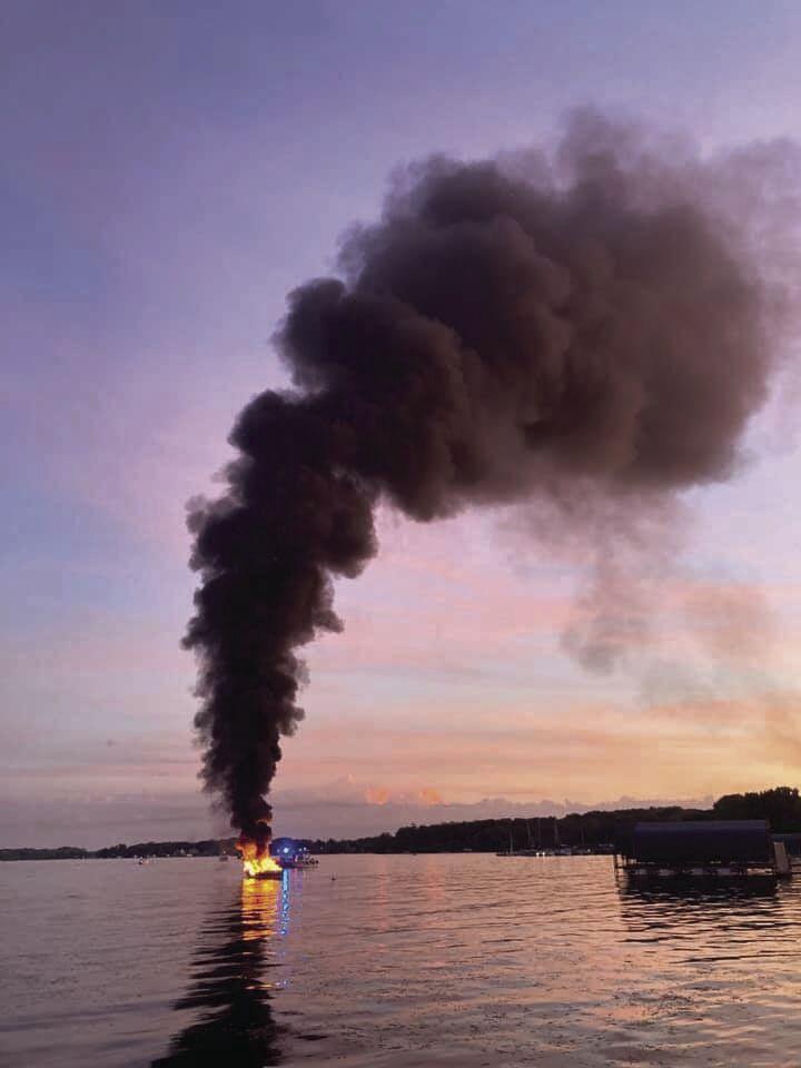 boat fire 1.jpg
