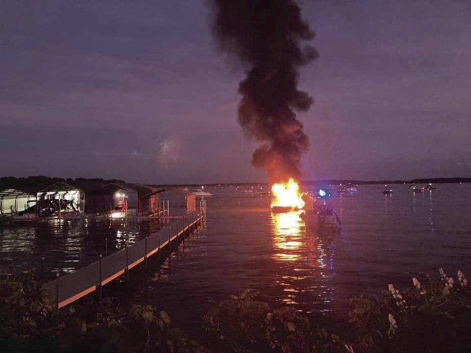 boat fire 2.jpg